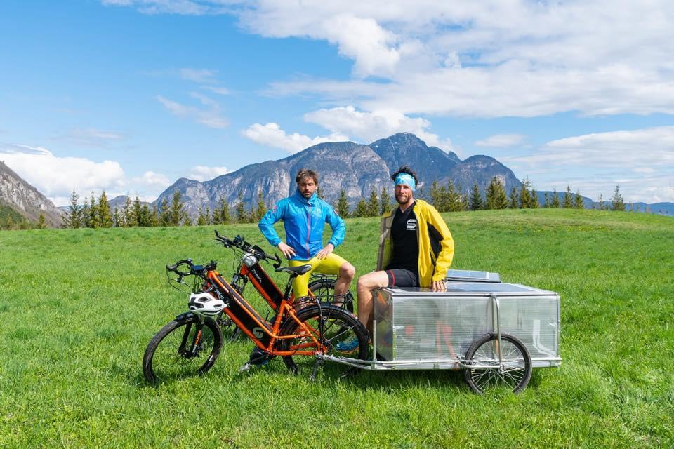 """Photo of """"Soul Silk"""". Oltre 10.000 chilometri in 100 giorni, un viaggio a pedali dalla Paganella alla Cina"""