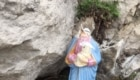 La Madonna e il Gesù Bambino decapitati sul Monte Barro - Foto @Saul Ripamonti