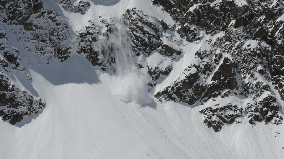 Photo of Un primo maggio all'insegna del sole sulle Alpi. Ma attenti al rischio valanghe!