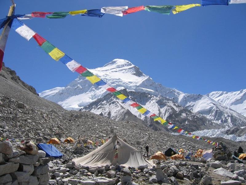 Photo of Incidente sul Cho Oyu, perde la vita uno sherpa mentre fissa le corde tra C1 e C2