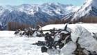 Alpini, di stanza a Cuneo, durante un'esercitazione invernale al Pian dell'Alpe, sopra Usseaux (To). Foto @ Lazzaro Cutrone