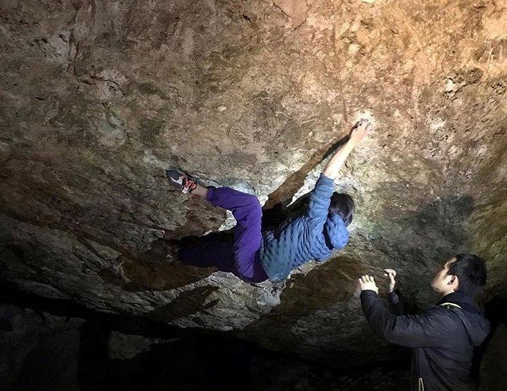 Photo of Mishka Ishi. A 13 anni chiude un 8C boulder e diventa la terza donna e la più giovane nella storia
