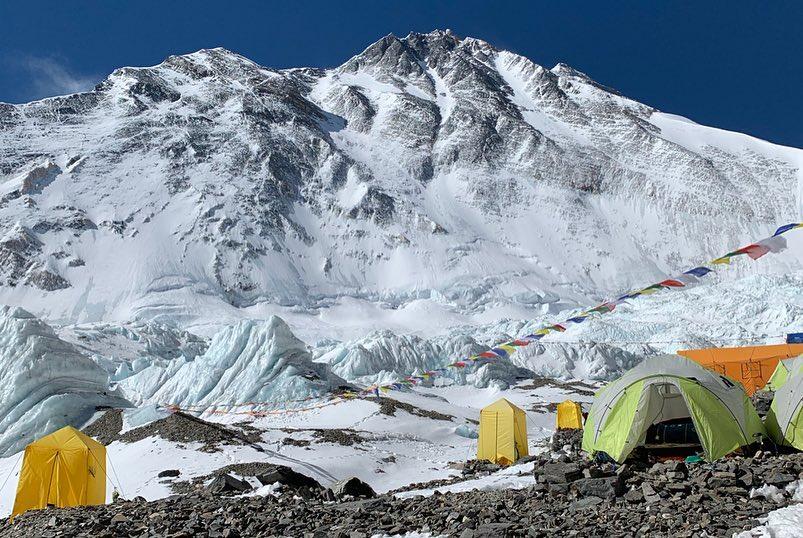 Photo of Danni ai campi alti per il passaggio del ciclone Fani, ma oggi il sole torna a splendere sull'Everest