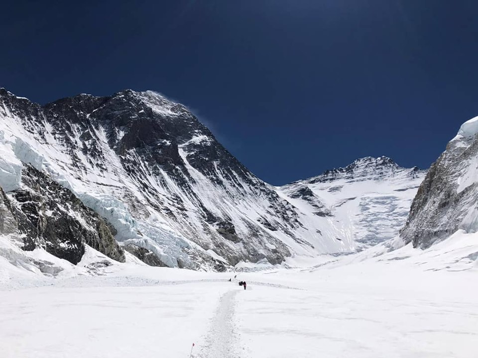 Photo of Sergi Mingote rinuncia all'Everest. Mohr e Fiamoncini puntano alla vetta