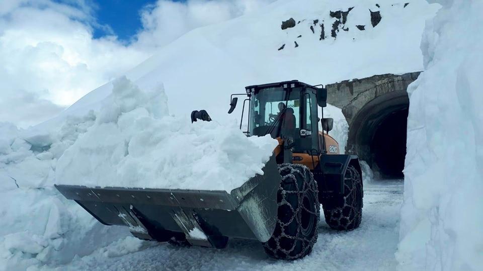 Photo of Neve di maggio. Oltre 20 metri sul Passo del Rombo. Sul Gavia a rischio la Cima Coppi del Giro d'Italia