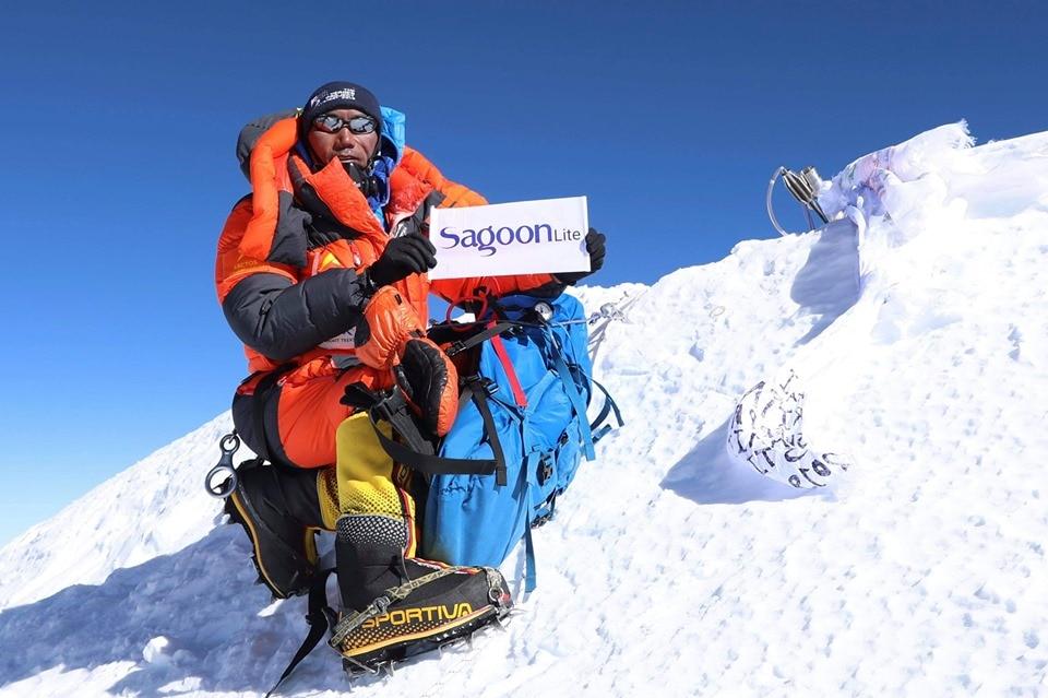 Photo of Nuovo record per Kami Rita Sherpa. Due volte in vetta all'Everest in 6 giorni
