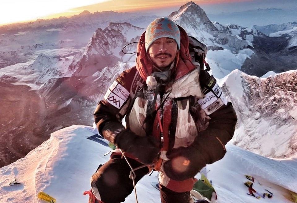 Photo of Everest. Niente da fare per Richards e Mena. Nirmal Purja vola al Makalu con altre due vette in tasca