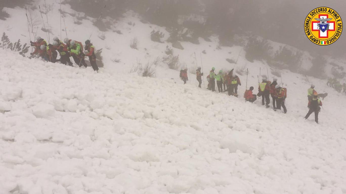 Photo of Valanga sulle Piccole Dolomiti: concluse le operazioni di bonifica, un solo ferito