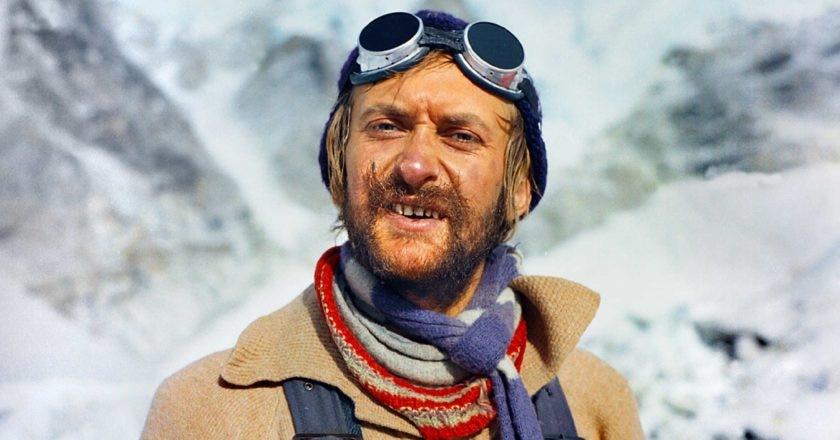 Krzysztof al campo base dopo aver raggiunto la vetta del K2 in inverno. Foto K. Wielicki