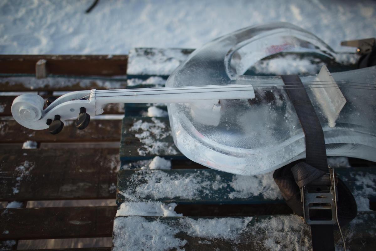 Photo of Un concerto nell'Artico con strumenti di ghiaccio per sensibilizzare sul cambiamento climatico