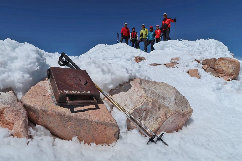 Photo of Con gli sci sulle vette della Sierra Nevada
