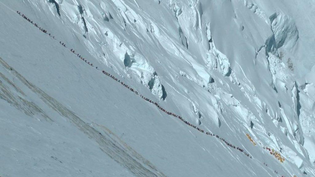 Everest, altre due vittime: 10 morti in 12 giorni
