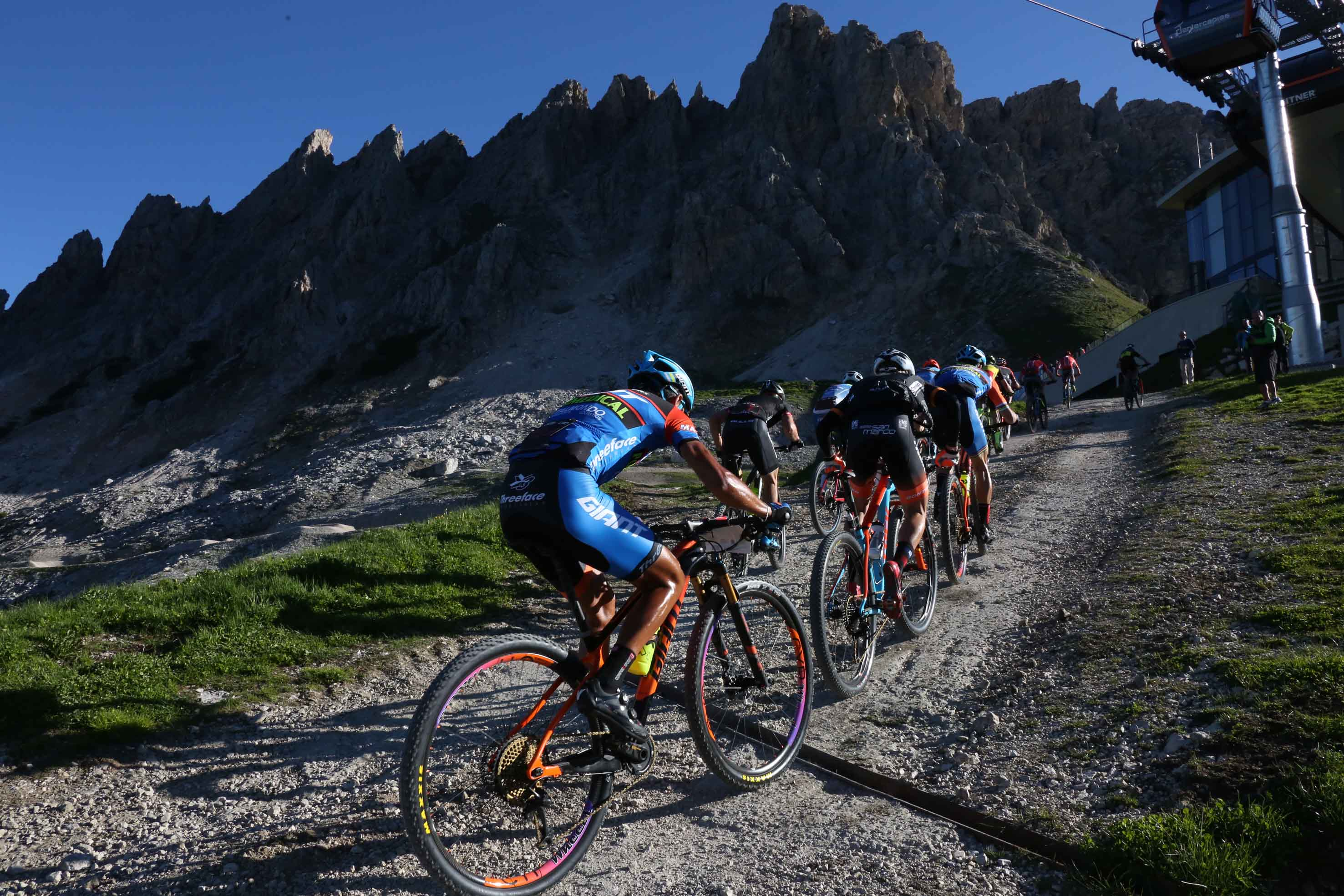 Photo of BMW HERO Südtirol Dolomites, non solo una gara di mountain bike