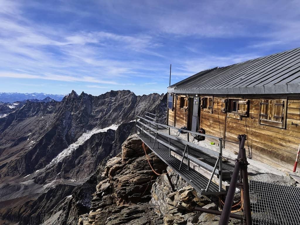 Photo of Nuove regole per la Capanna Carrel. Barmasse: molti stanno confondendo il Cervino con il Monte Bianco