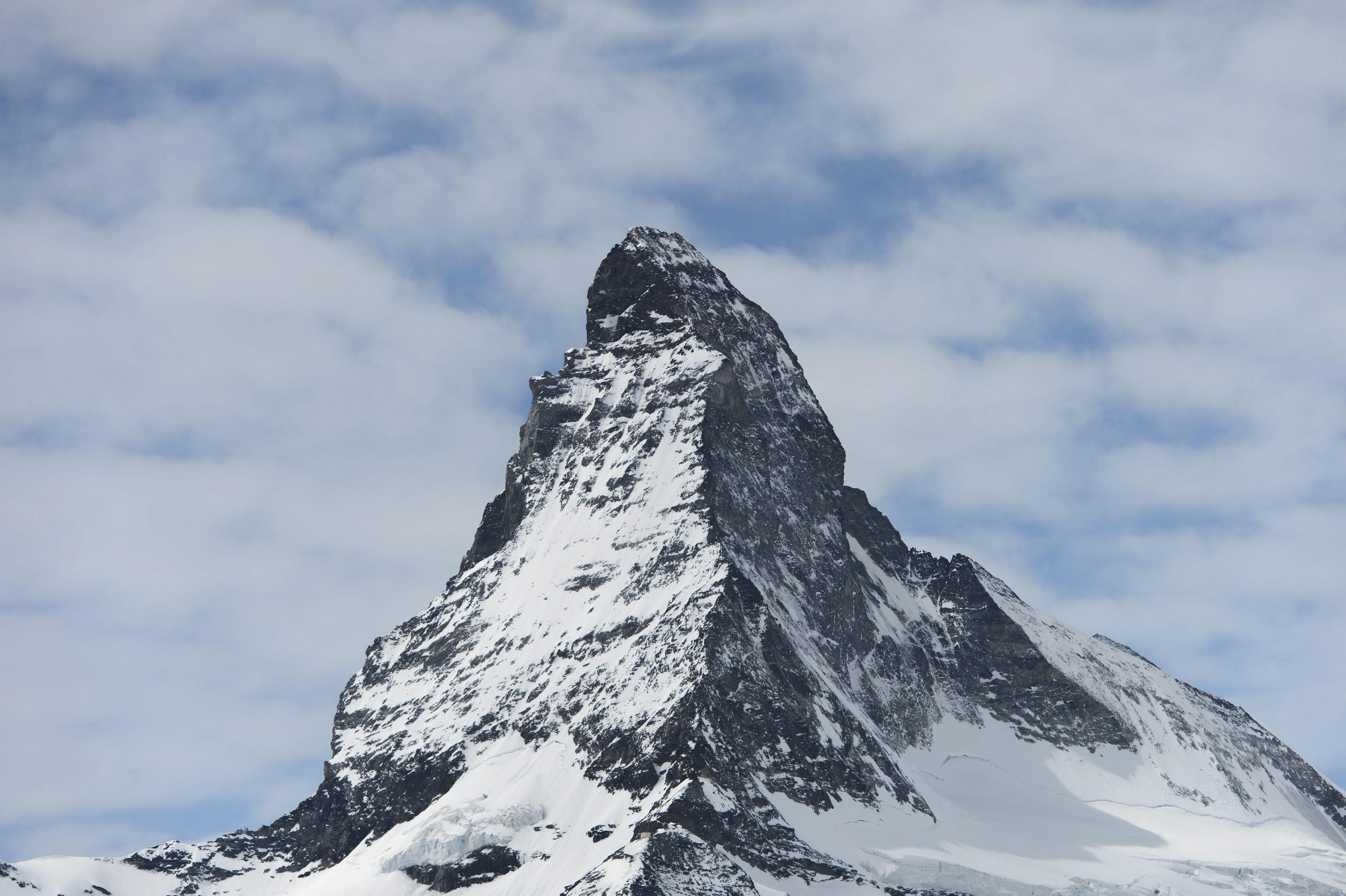 Photo of Alpinista 24enne muore sul Cervino