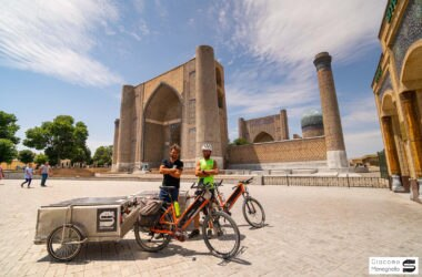 soul silk, ciclismo, via della seta, kazakistan, azerbaigian. cina, giacomo meneghello, yanez borella