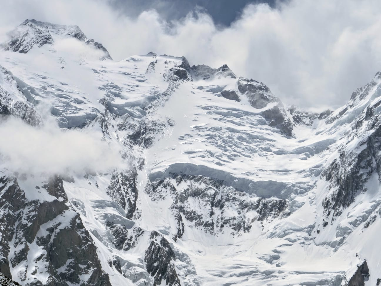 Photo of Fermento al Nanga Parbat. Si sale in gruppo, con qualche polemica