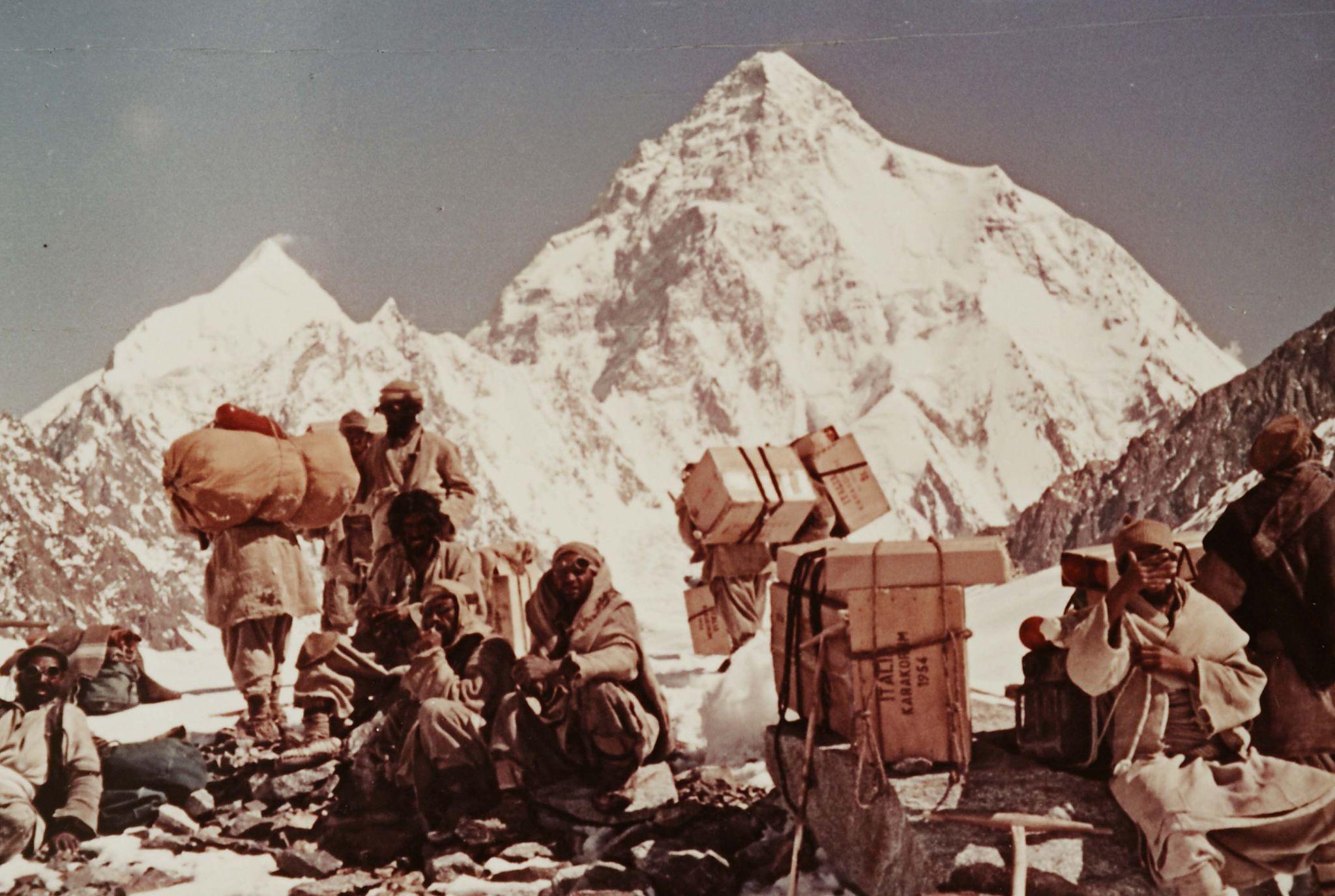 Photo of La spedizione al K2 del 1954 protagonista della settimana del cinema del Cai