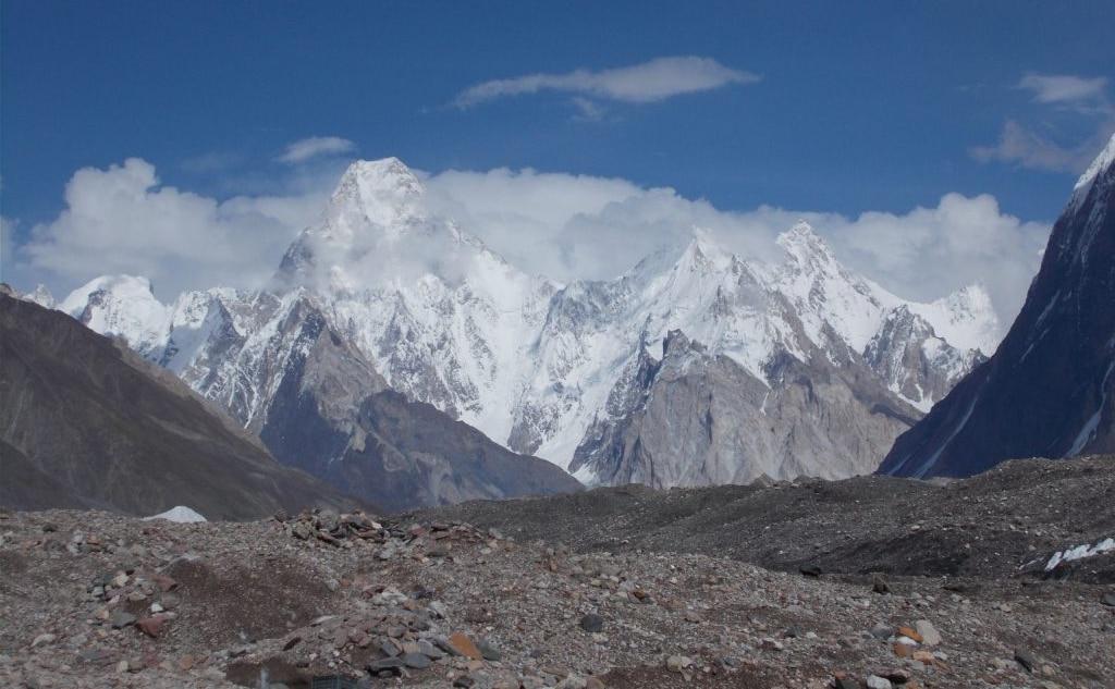Il Gasherbrum IV dal campo di Goro II.