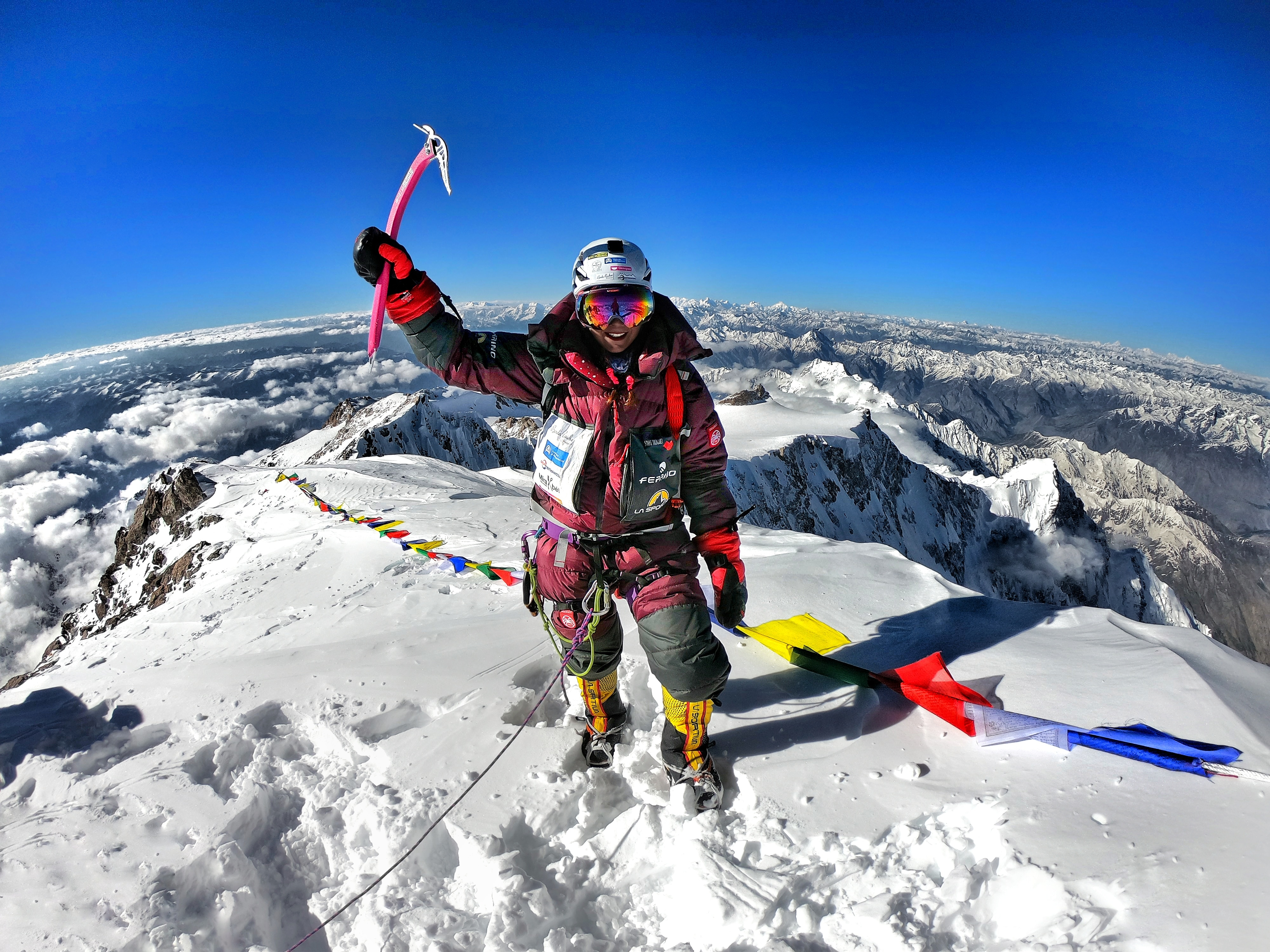 Photo of Stefi Troguet, col rossetto in cima al mondo