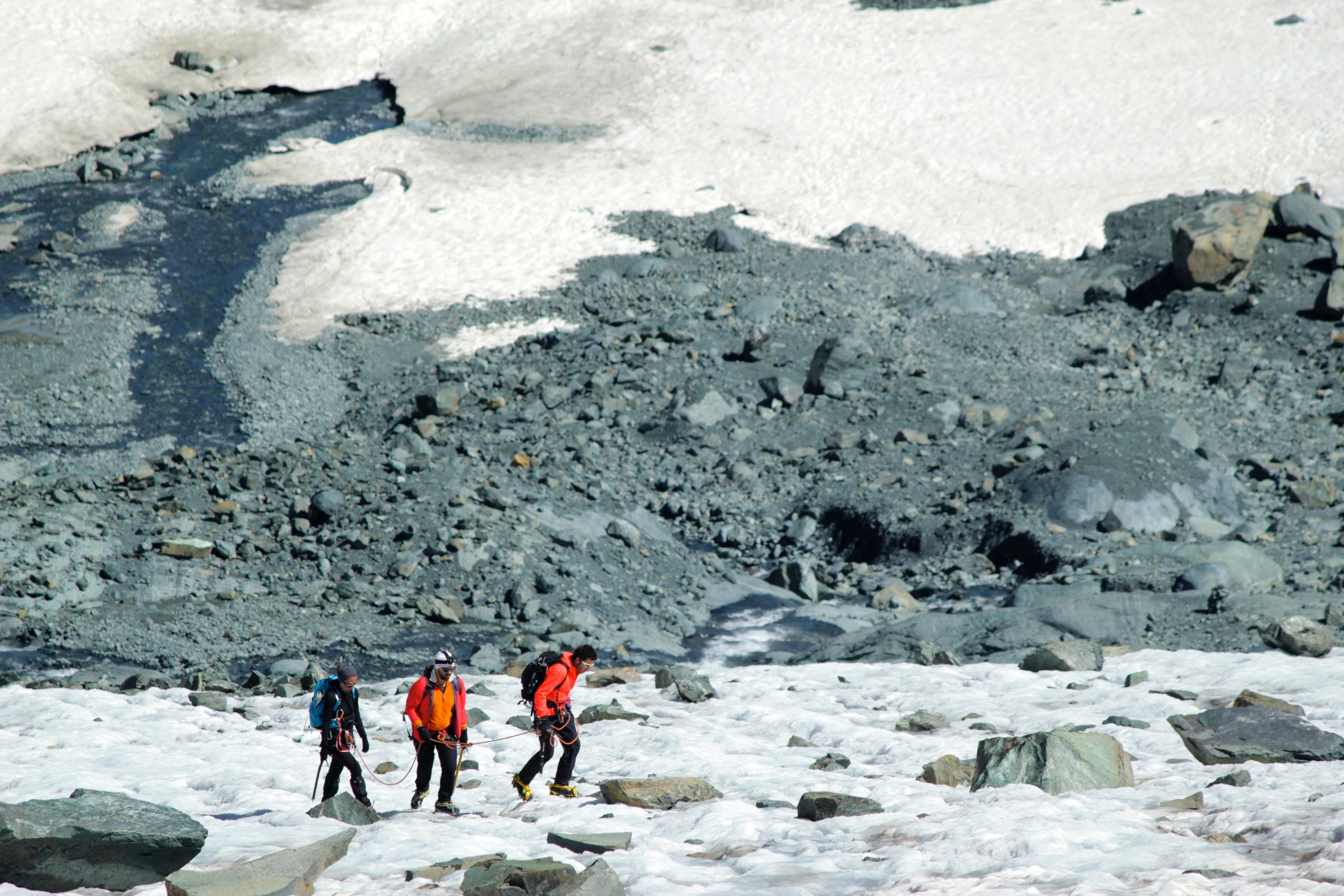 Photo of Un decalogo per praticare con prudenza l'alpinismo estivo