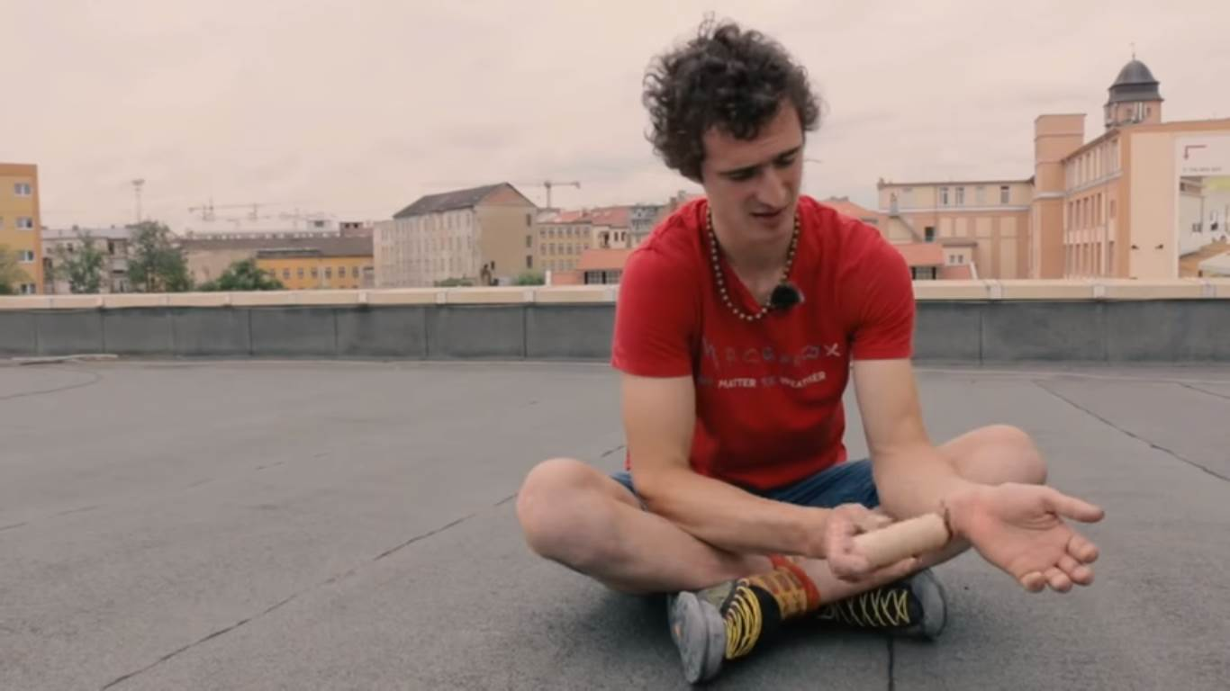Photo of L'infortunio – Adam Ondra: Road to Tokyo