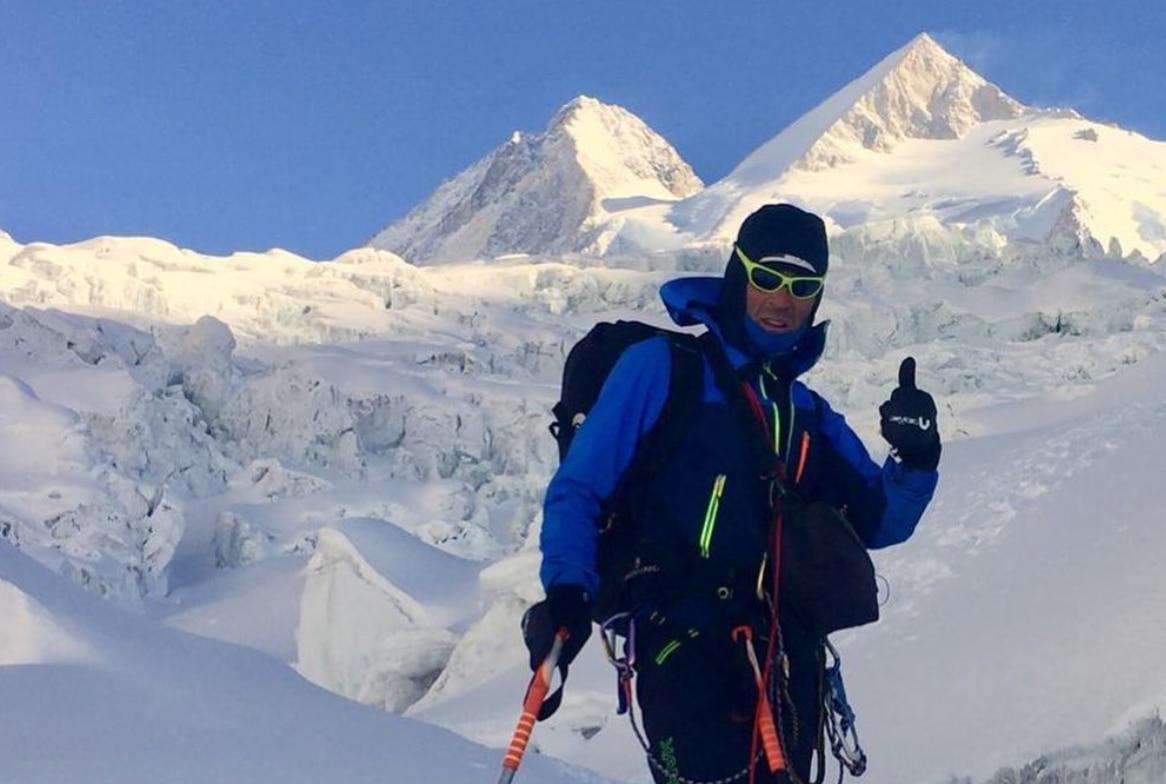 Photo of Marco Confortola in diretta radio dal Gasherbrum II