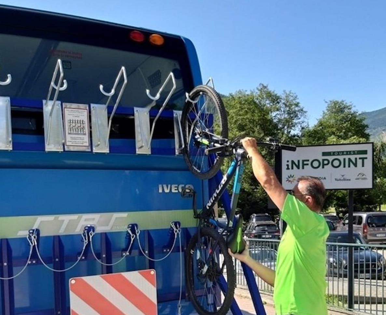 """Photo of Attivo fino al 31 agosto il servizio """"Con la bici in Valmalenco"""""""