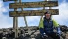 Giovanni Storti in cima al Kilimangiaro. Foto Dino Bonelli