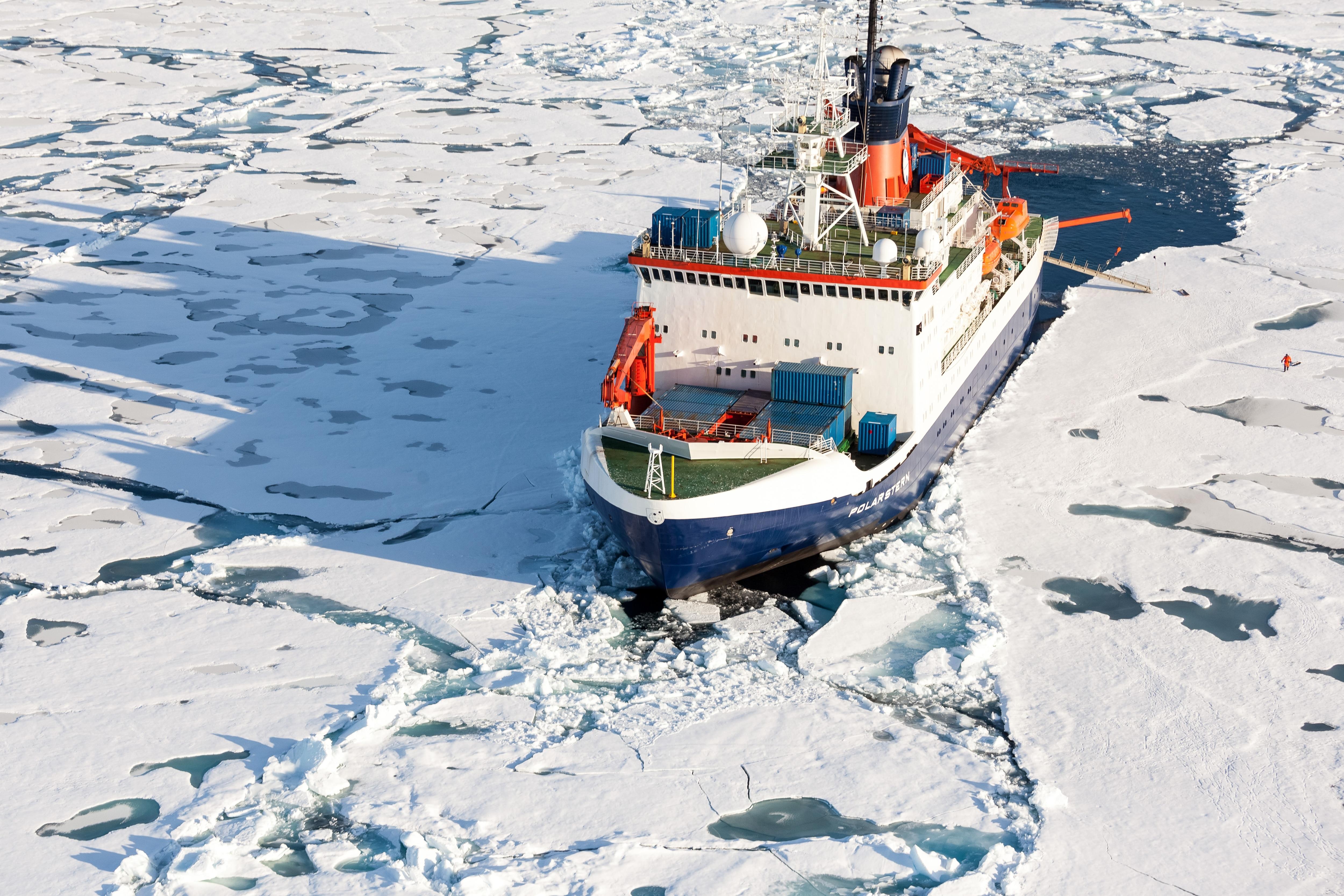 Photo of Cambiamento climatico. Al via la spedizione di ricerca nell'Artico più grande della storia
