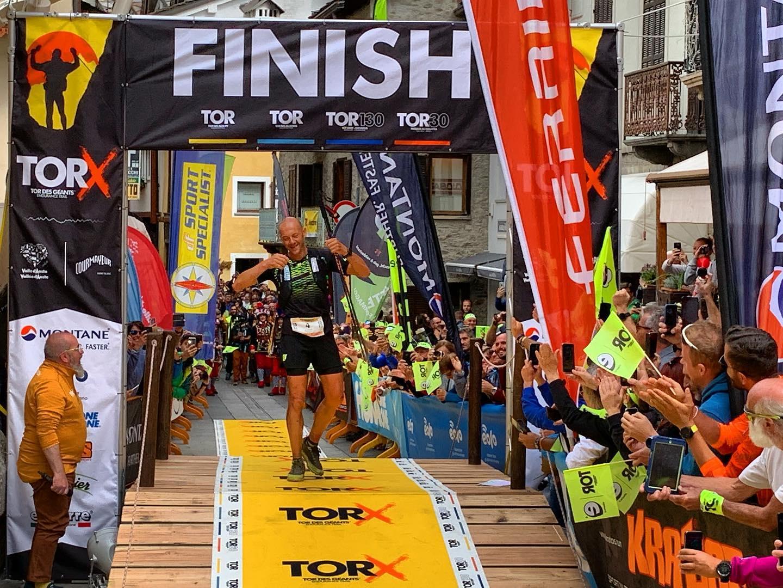 Photo of Oliviero Bosatelli vince il Tor Des Geants