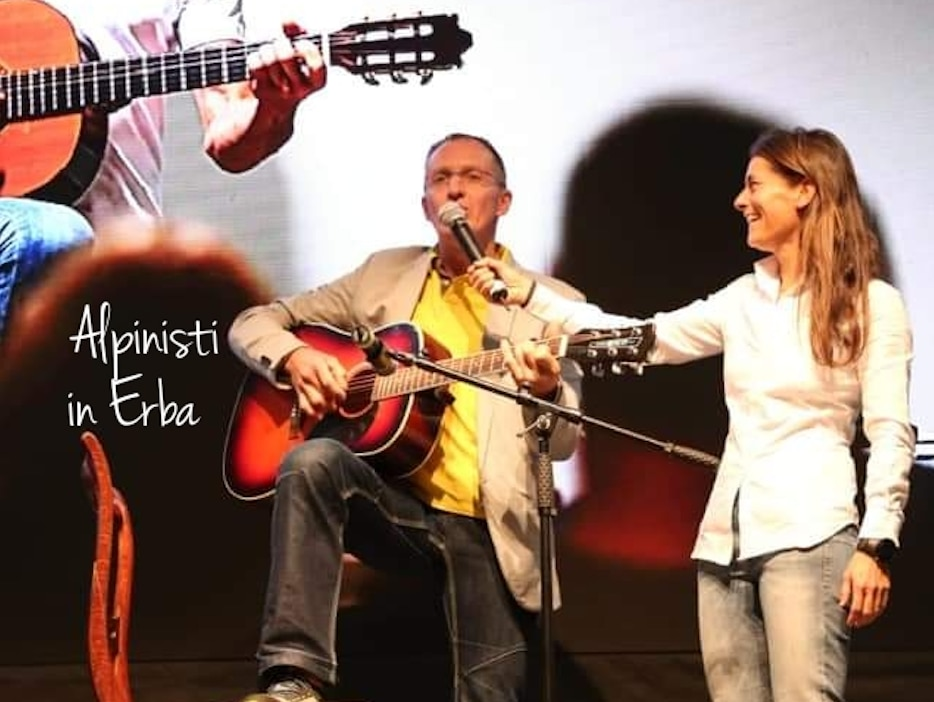 Photo of Urubko show: abbiamo fatto cantare e suonare Denis sul palco, e questo ci basta