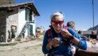 TOR17 giorno 2. Alice Modignani Fasoli al Rifugio Vittorio Sella. Foto Pierre Lucianaz