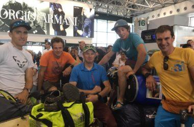 Il gruppo in aeroporto