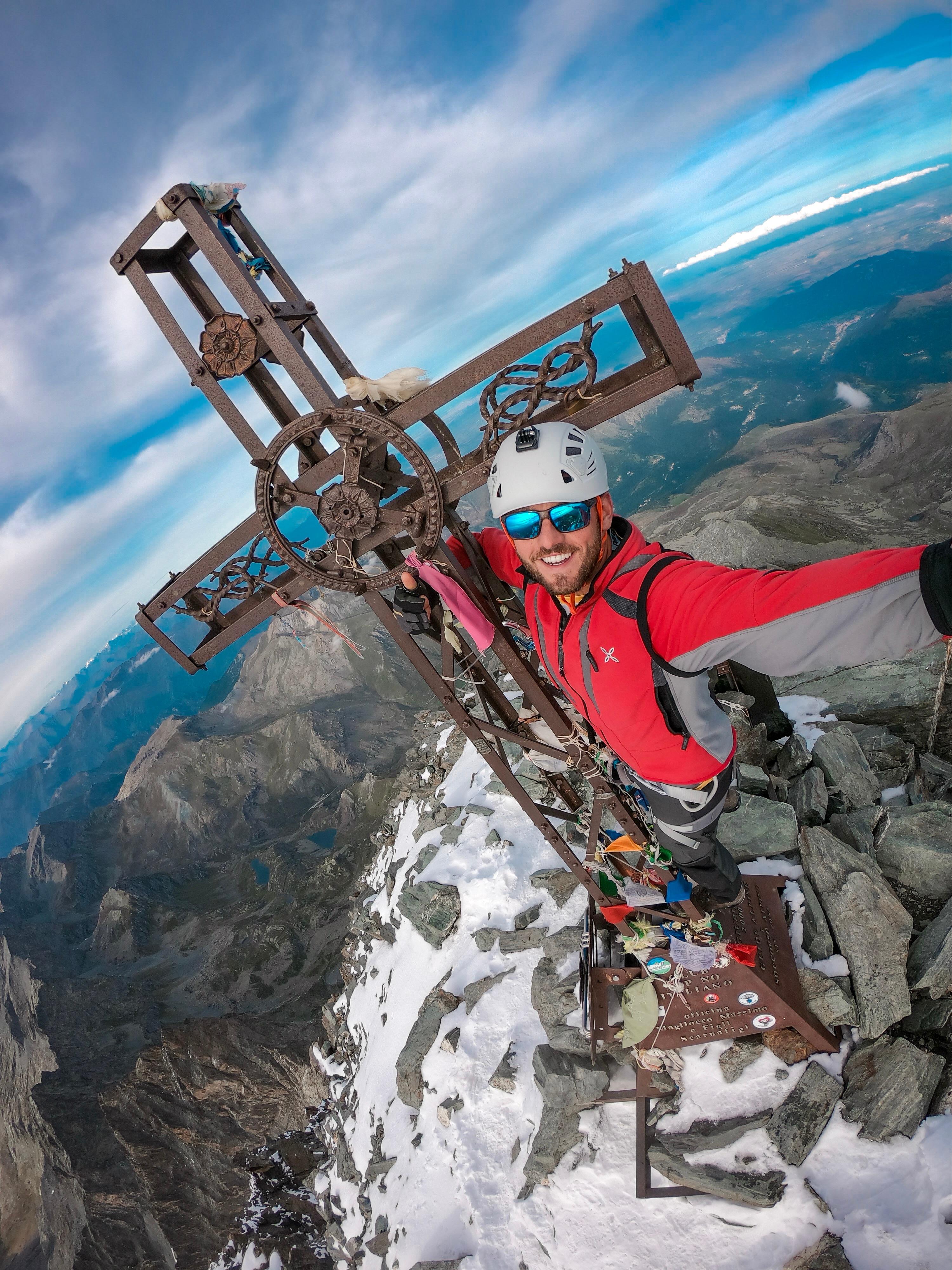 Photo of Da Dubai alla cima del Monviso in 12 ore, un amore più forte di ogni distanza