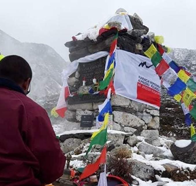 Photo of Una cerimonia ai piedi del Lhotse per ricordare Jerzy Kukuczka