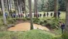 I partecipanti all'escursione nella Foresta del Cansiglio hanno imparato a leggere l'ecosistema forestale - Foto FB @CAI TAM Veneto Friuli Venezia Giulia