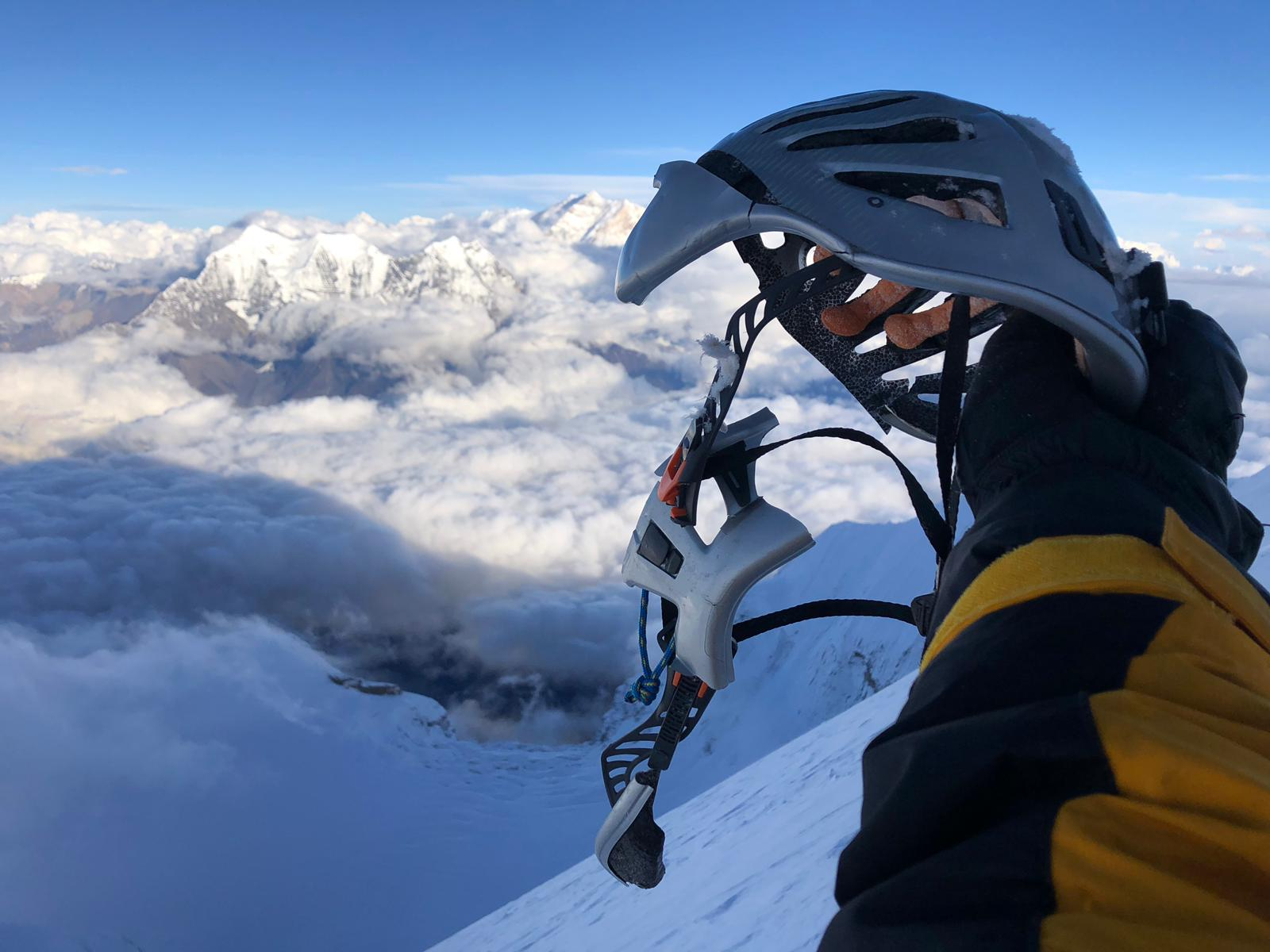 Photo of Dhaulagiri. Moeses Fiamoncini racconta l'incidente a 50 metri dalla vetta