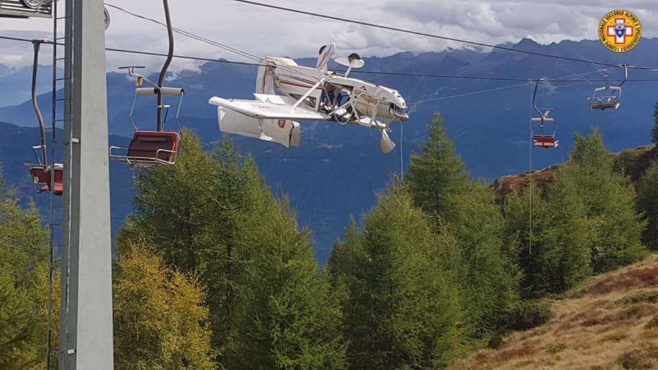Photo of Valtellina, ultraleggero resta appeso ai cavi della seggiovia. Delicato intervento del Soccorso Alpino
