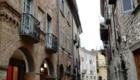 Le strade del centro storico di Bobbio sono caratterizzate da ciottoli e edifici in mattoni - Foto FB @Visit Bobbio