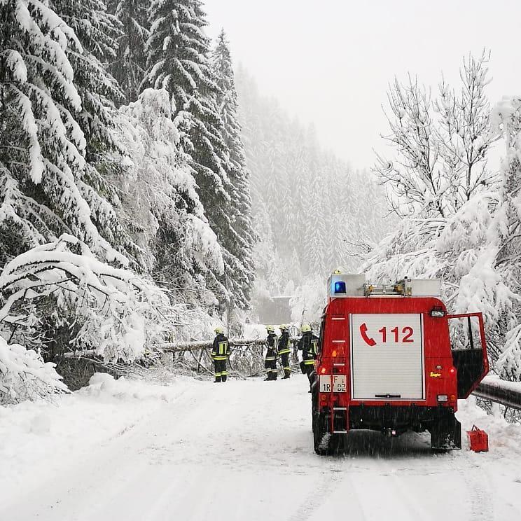 Photo of Neve, caos in Alto Adige. Attenzione al pericolo valanghe in aumento