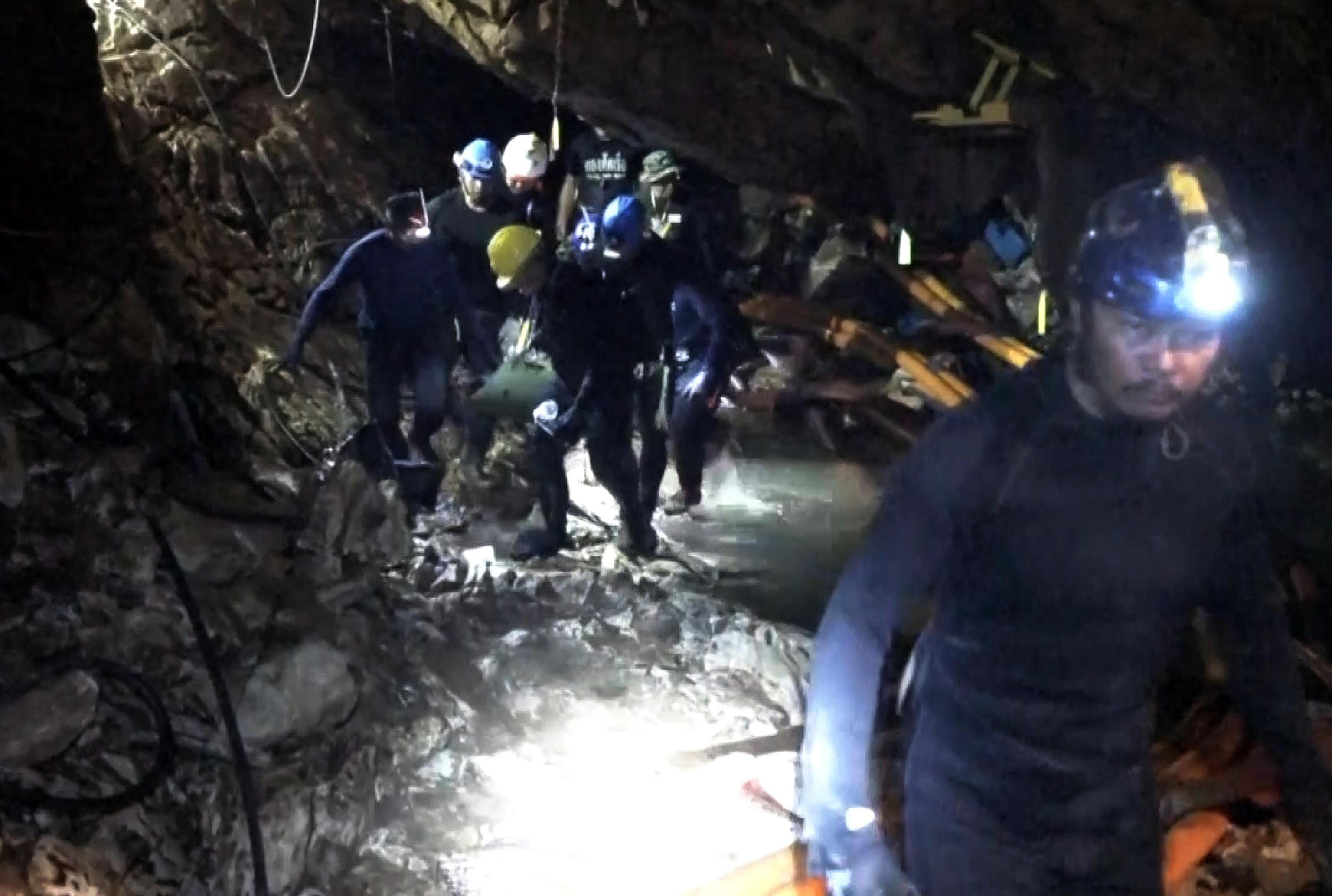 "Photo of ""Trappola mortale"", l'epico salvataggio nella grotta thailandese di Tham Luang – Mountain and Chill"