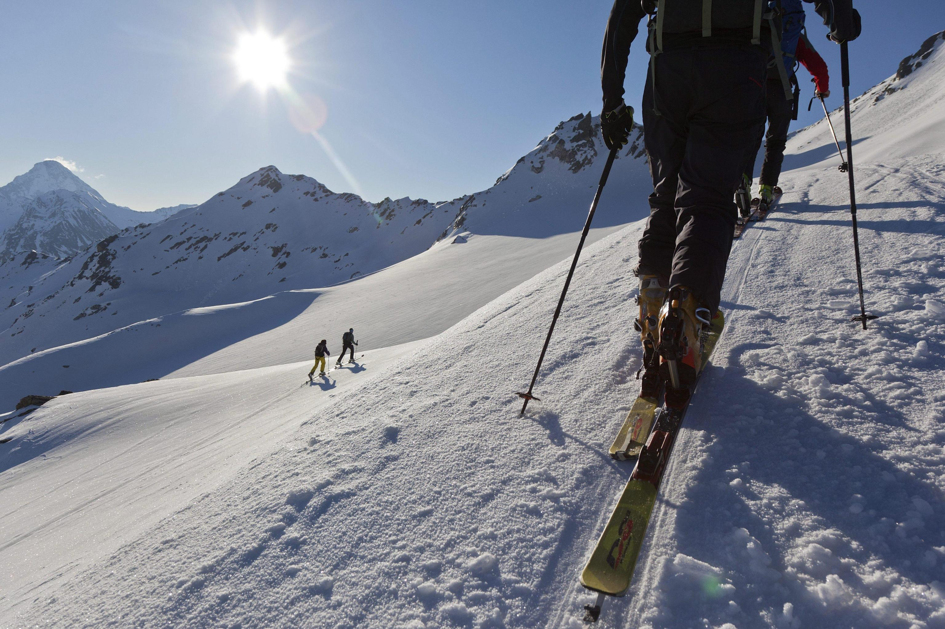 Photo of Montagna invernale in sicurezza: qualche consiglio sull'attrezzatura necessaria