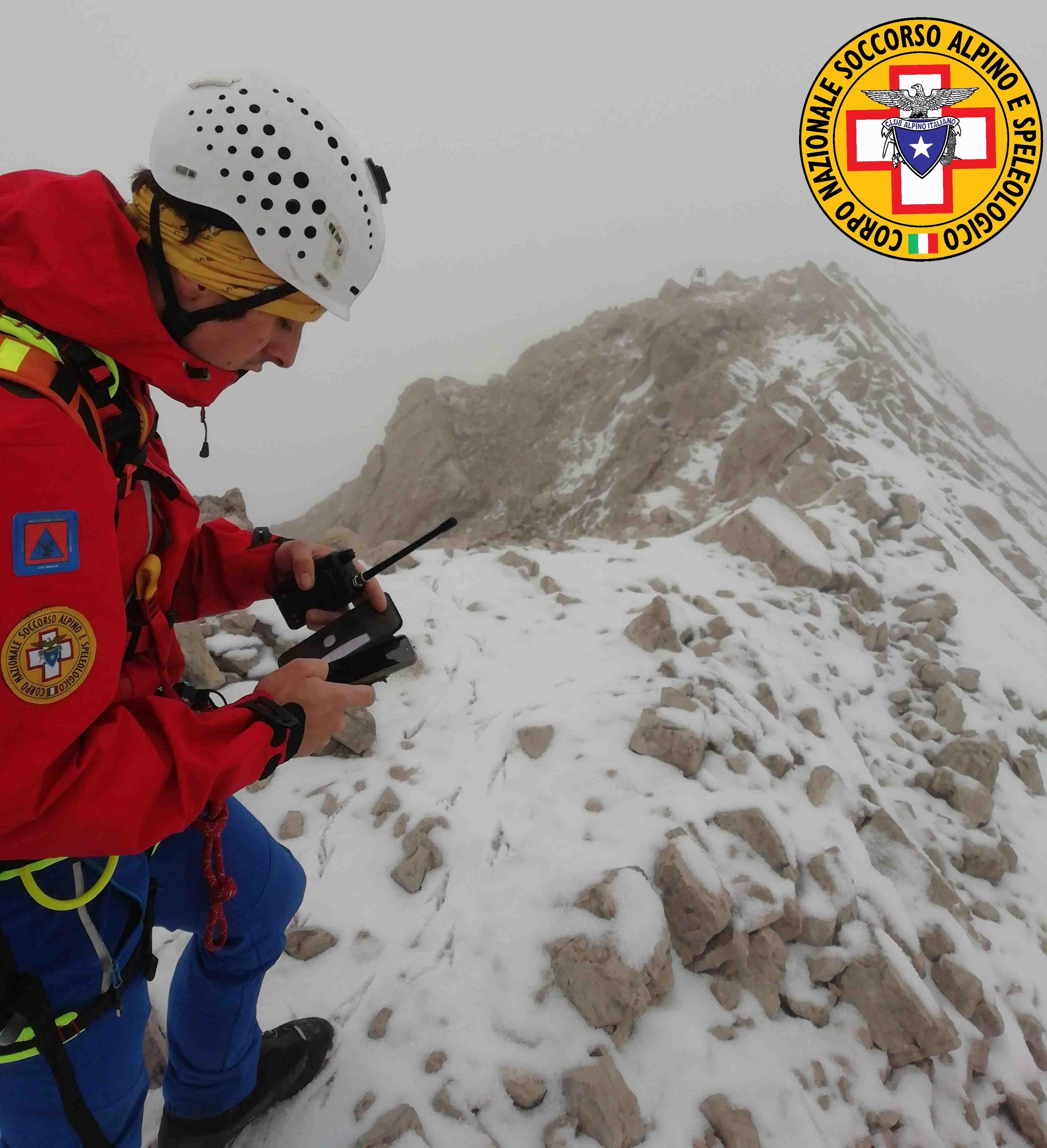 Photo of Raggiunti i due alpinisti bloccati sulla Cima dei Preti
