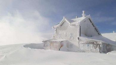 Photo of L'incanto del Rifugio Altissimo avvolto da ghiaccio e neve
