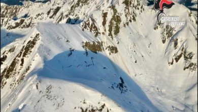 Photo of Val Brembana, tre scialpinisti travolti da una valanga