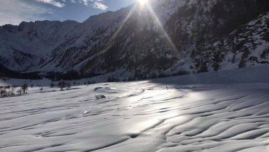 """Photo of Bloccati sul ghiaccio senza ramponi. Il gestore del Rifugio Jervis: """"Importante distinguere tra escursionismo estivo e invernale"""""""
