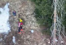Photo of Bimbi bloccati in un canalone, le immagini del delicato intervento del Soccorso Alpino