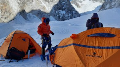 Photo of Alex Txikon vento e crolli di pietre sull'Everest. Kobusch al CB