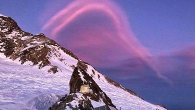 Photo of Il cielo su Capanna Gnifetti si tinge di rosa